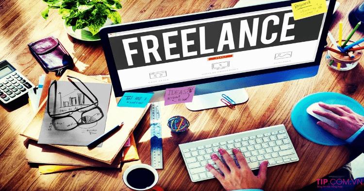 cách kiếm tiền tại nhà khi bạn là một freelancer